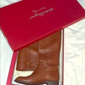 Ferragamo Low heel boots